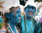 Two people dressed as Smurfs