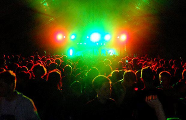 rave with green lights
