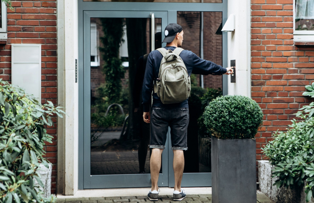 Student arriving at their accommodation