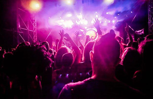 club full of people